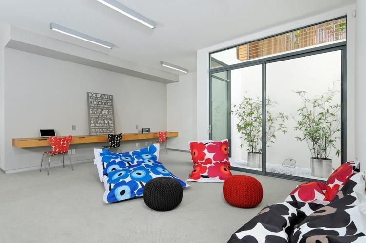 Кресла-мешки в домашнем офисе