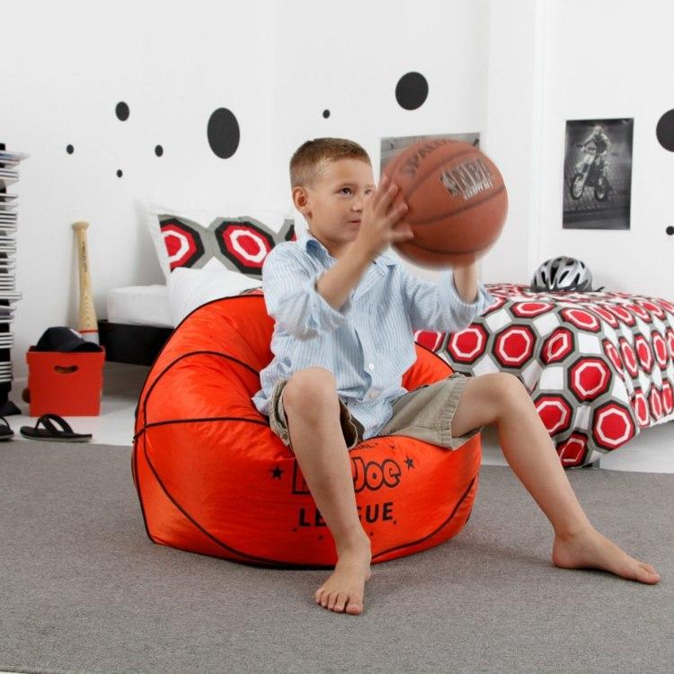 Кресло-мешок в виде мяча в детскую