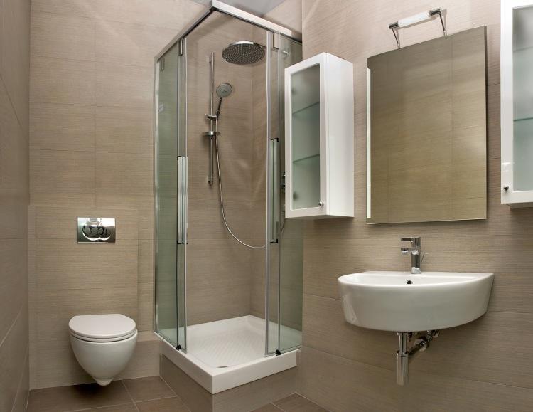 идея дизайна маленькой ванной в хрущевке бежевая плитка для ванной душевая кабина