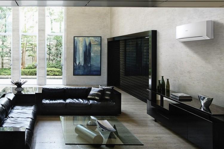кондиционер сплит-система в интерьере гостиной в современном стиле