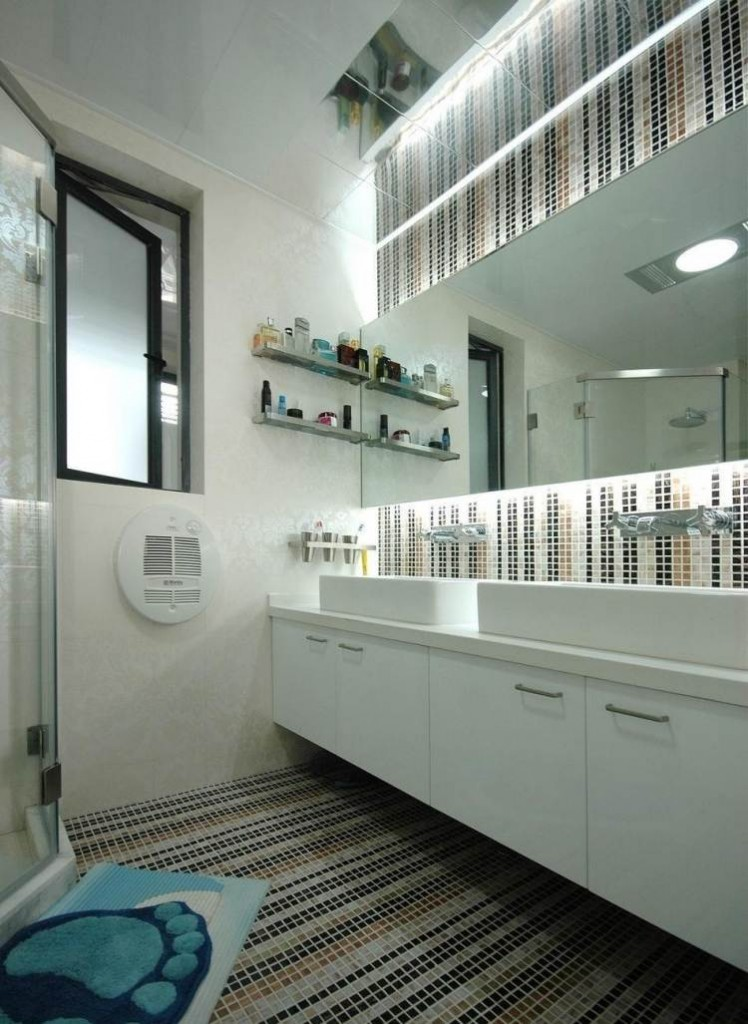 контрастная мозаика для ванной комнаты
