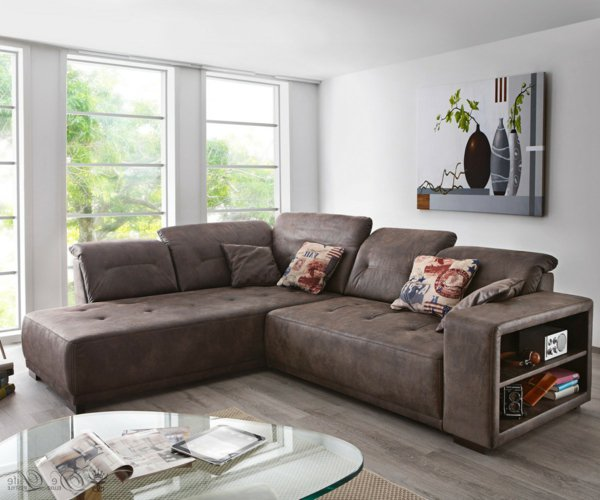коричневый угловой диван фото замшевый полки встроенные