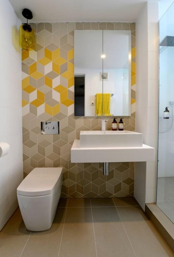 желтая плитка для ванной как акцент
