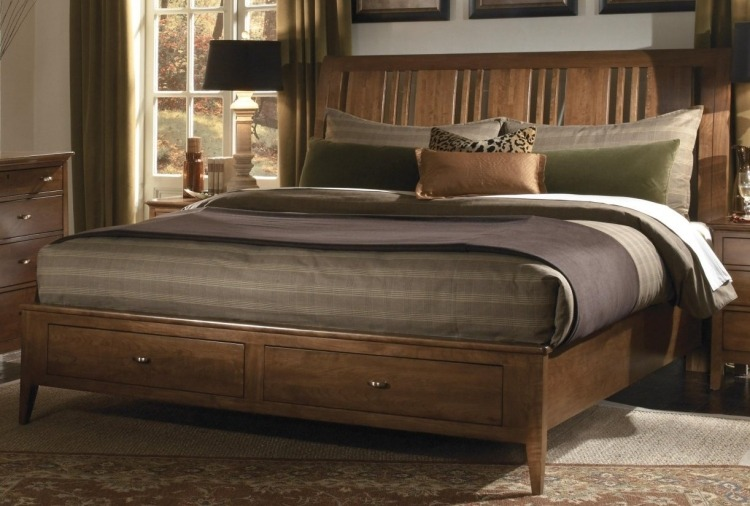 деревянная двуспальная кровать с ящиками фото идеи для маленькой спальни