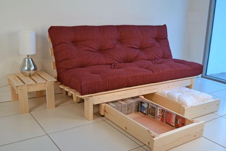 диван-кровать с ящиками внизу фото идеи для маленькой спальни