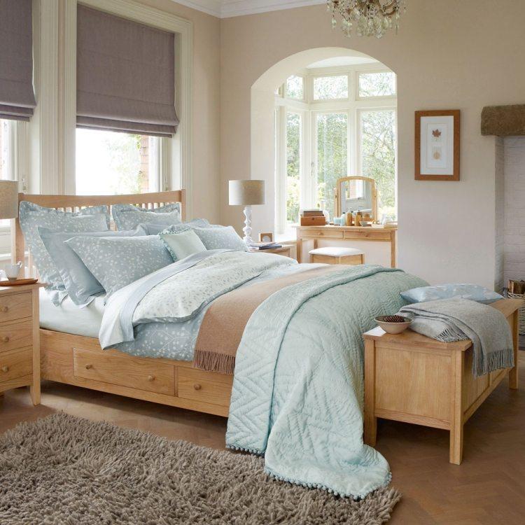 двуспальная кровать с ящиками для белья фото идеи для маленькой спальни