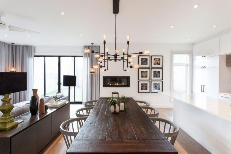 интерьер гостиной со столовой фото белая кухня темный деревянный стол из массива дерева