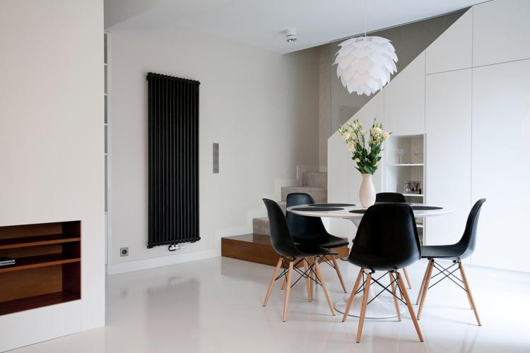 интерьер обеденной зоны фото круглый стол черно-белый цвет