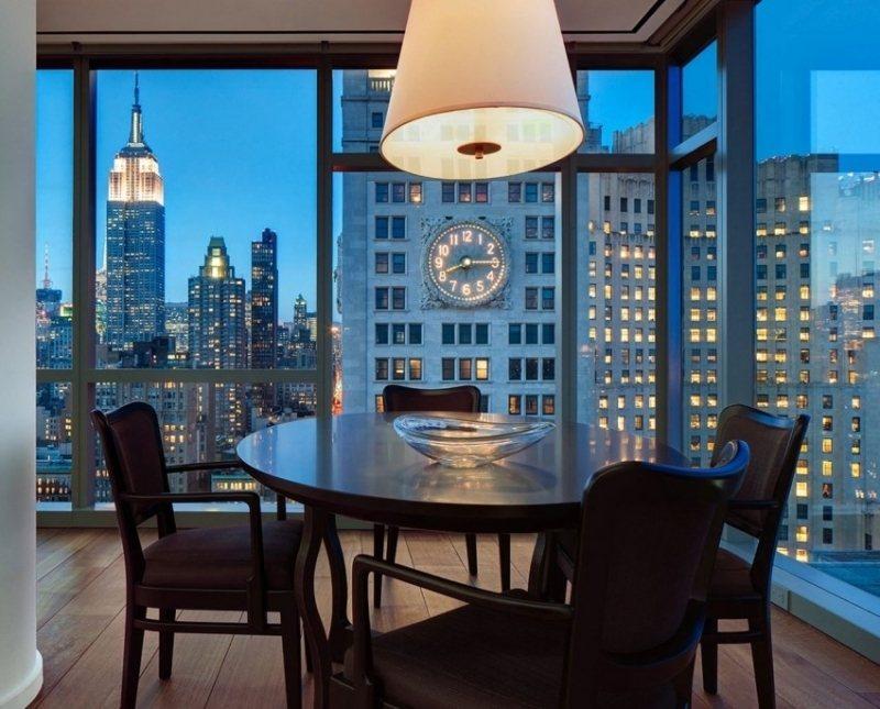 интерьер столовой дизайн фото панорамные окна черный цвте