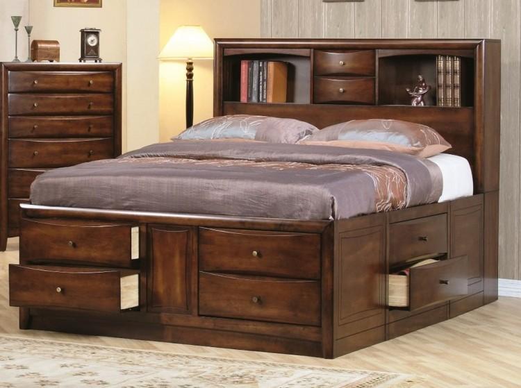 кровать с выдвижными ящиками полки в изголовье фото идеи для маленькой спальни