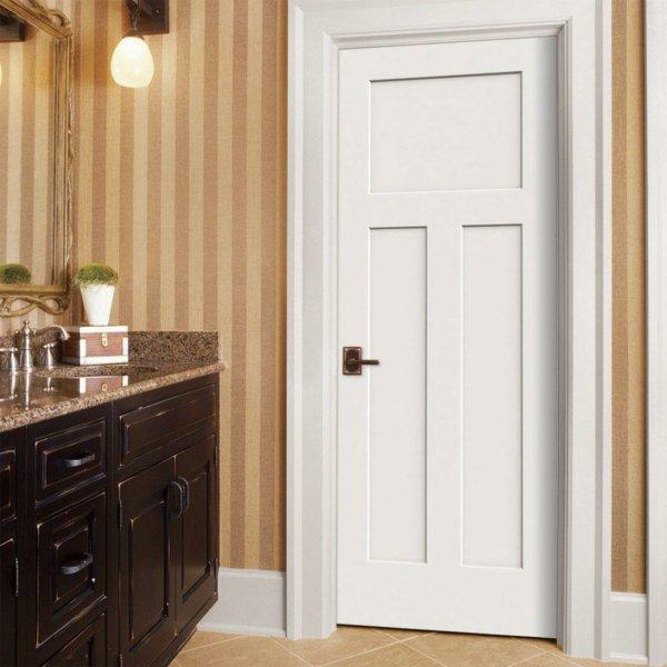 белая межкомнатная дверь в интерьере фото дерево