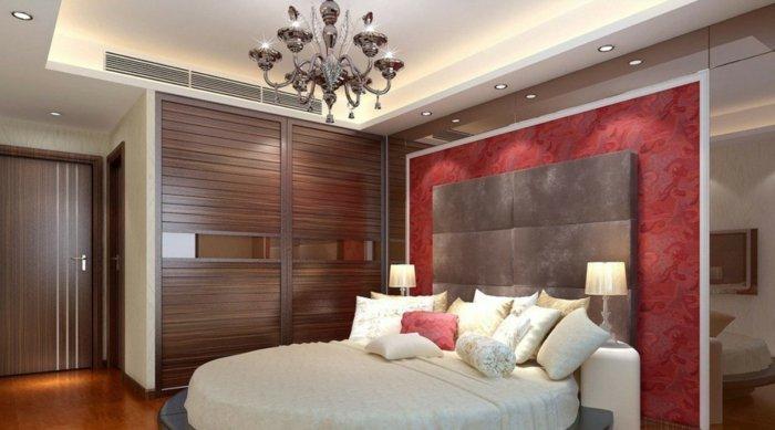 deckenbeleuchtung-für-schlafzimmer-rote-akzente-auf-der-wand