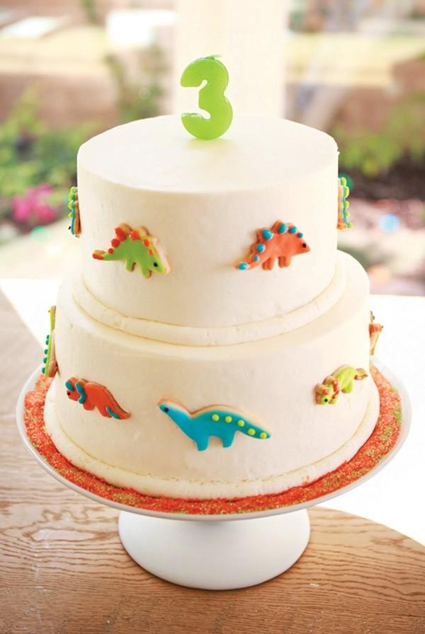 декор оформление детского праздника фото в стиле динозавры торт