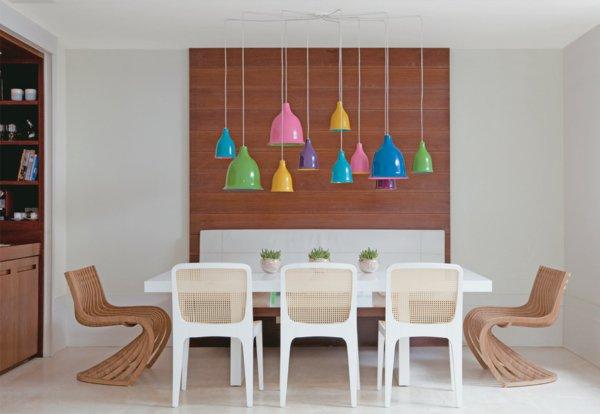 деревянные дизайнерские стулья обеденные для кухни фото белые прозрачная спинка