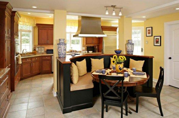 деревянные стулья обеденные для кухни фото черные с круглым уголком