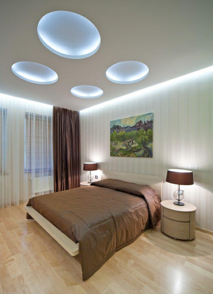 дизайн освещения спальни фото навесной потолок голубой