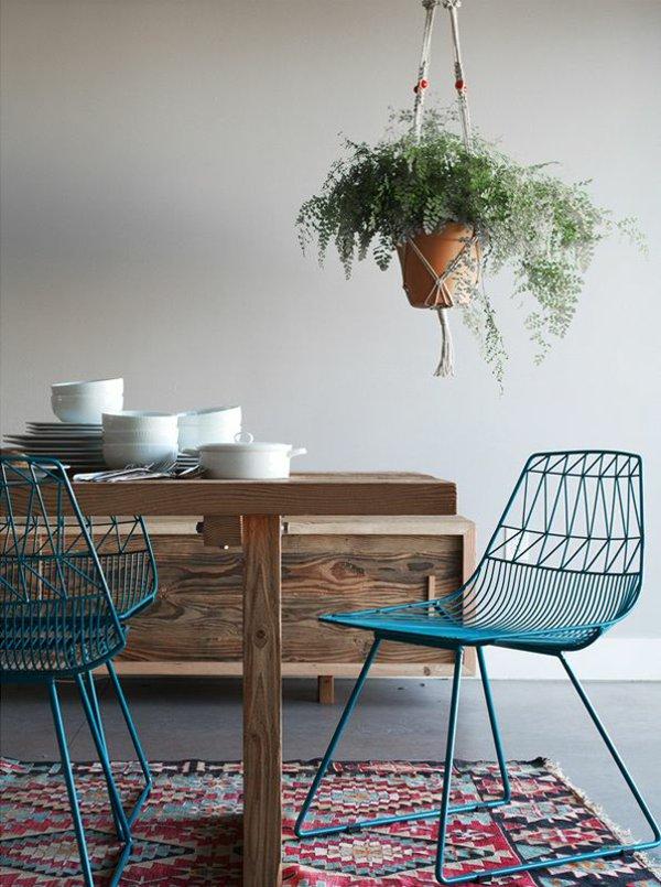 металлические прозрачные стулья для кухни фото синие
