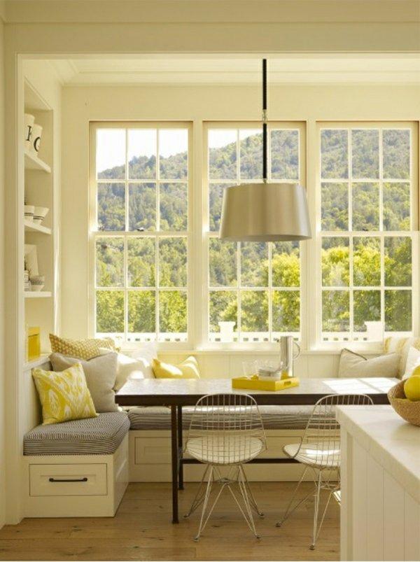 металлические стулья обеденные для кухни фото с уголком белым