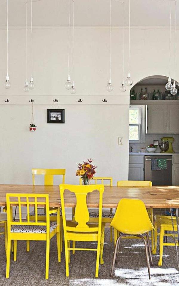 пластиковые стулья обеденные для кухни фото желтые разные
