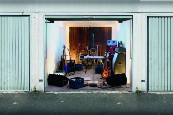 3D наклейки на ворота гаражные идеи фото музыкальная группа