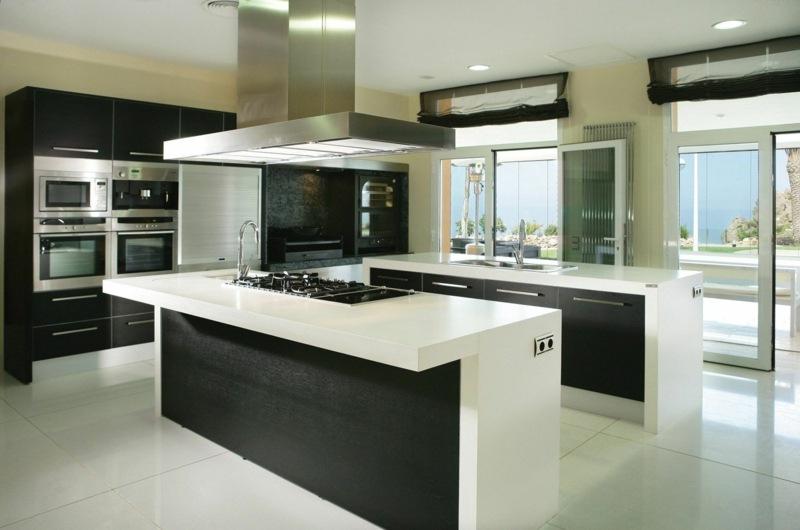 дизайн черно белой кухни фото интерьер сталь