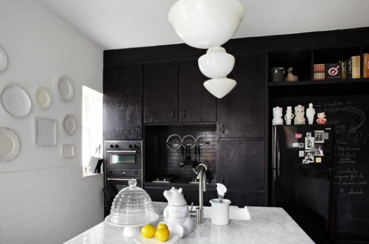 дизайн черной кухни фото интерьер мраморная столешница
