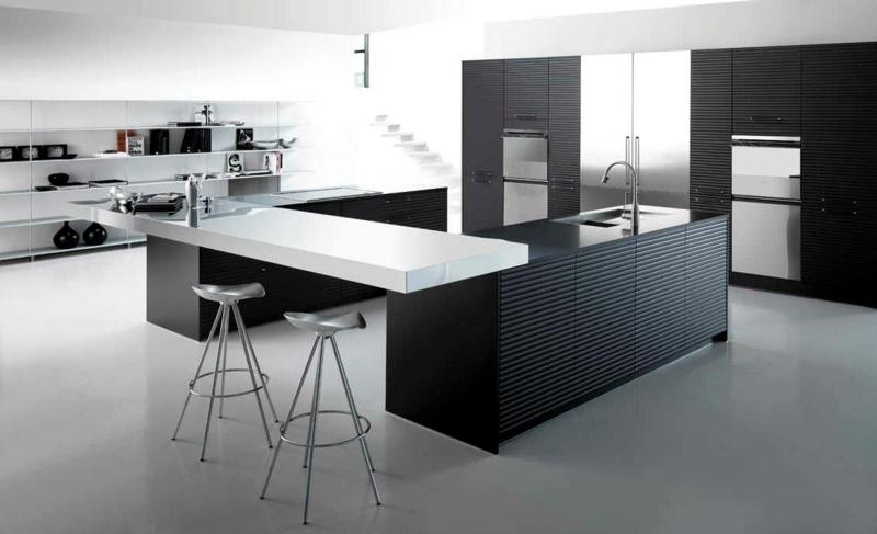 дизайн черной кухни фото интерьер сталь рифленая поверхность