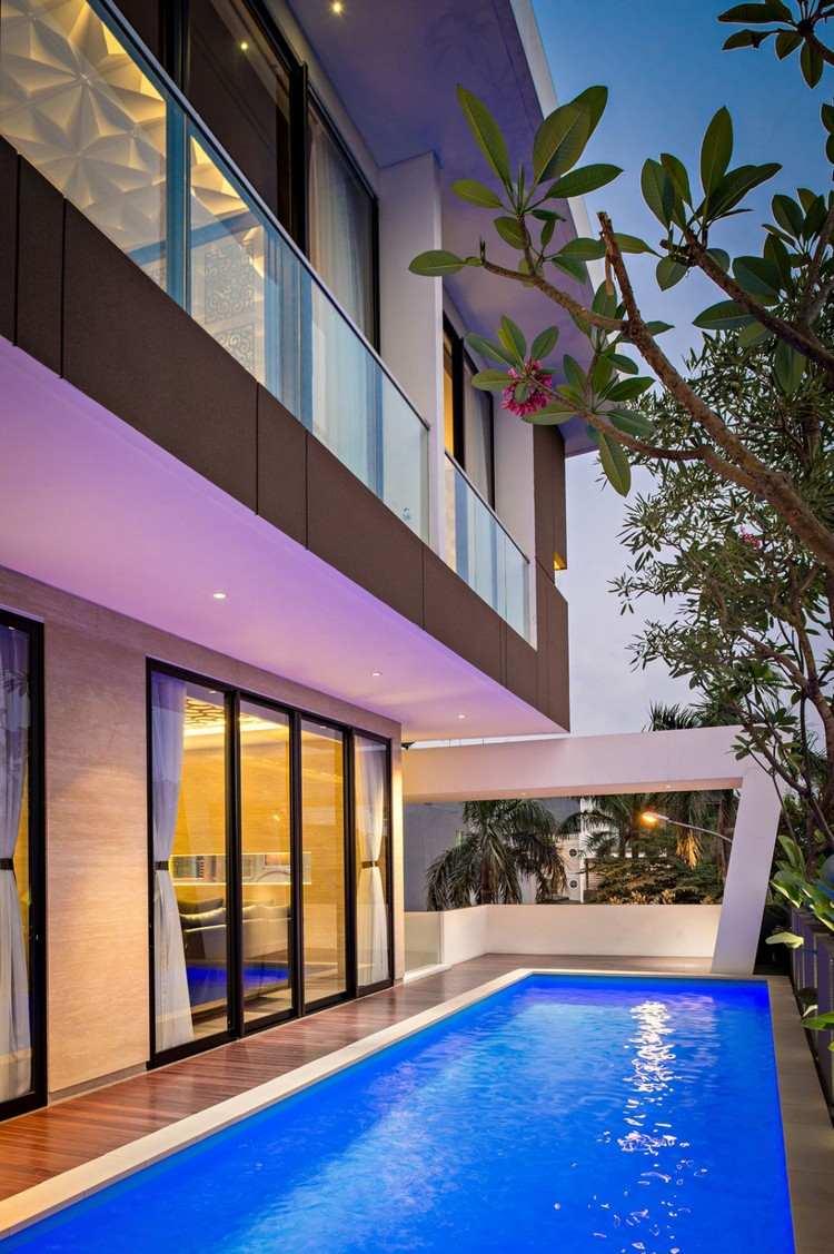 дом премиум класса дизайн фото бассейн освещение стеклянные стены