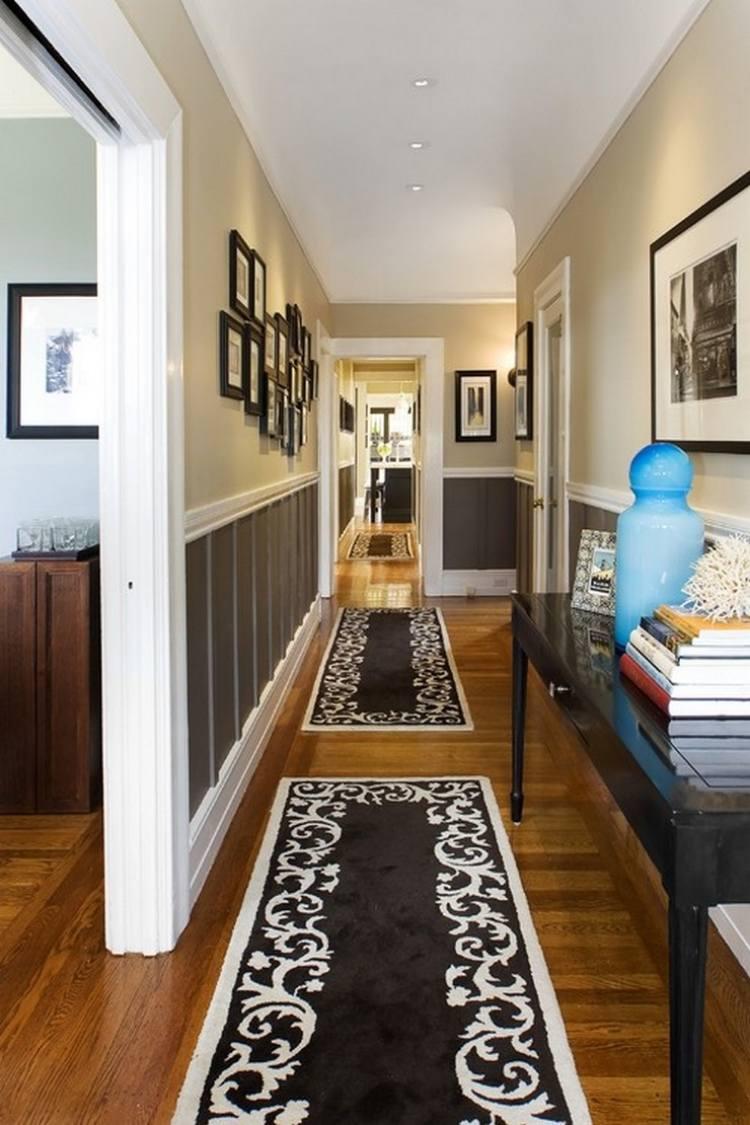 идеи дизайна коридора фото черно-белые деревянные панели ковер