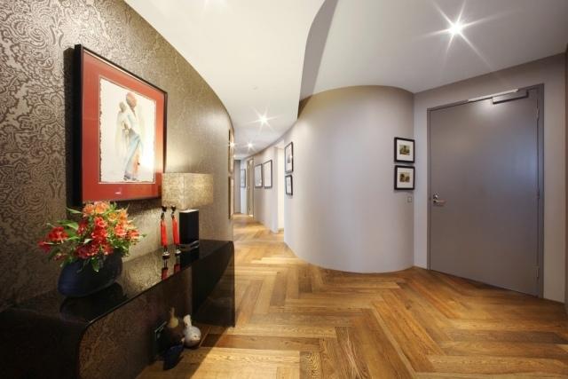 идеи дизайна коридора фото обои под шелк паркет