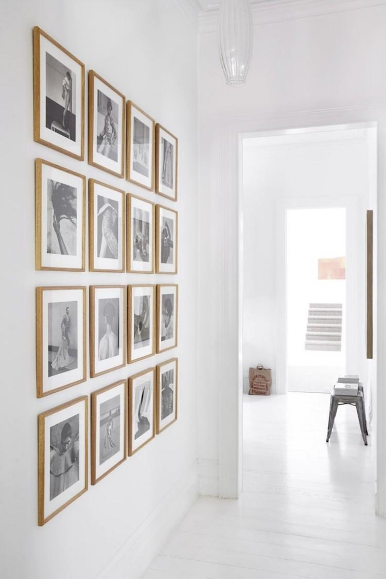 идеи дизайна коридора фото стена с фотографиями черно-белыми