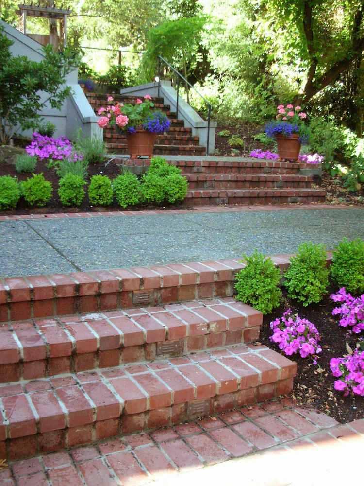 идея садовой лестницы своими руками из кирпича