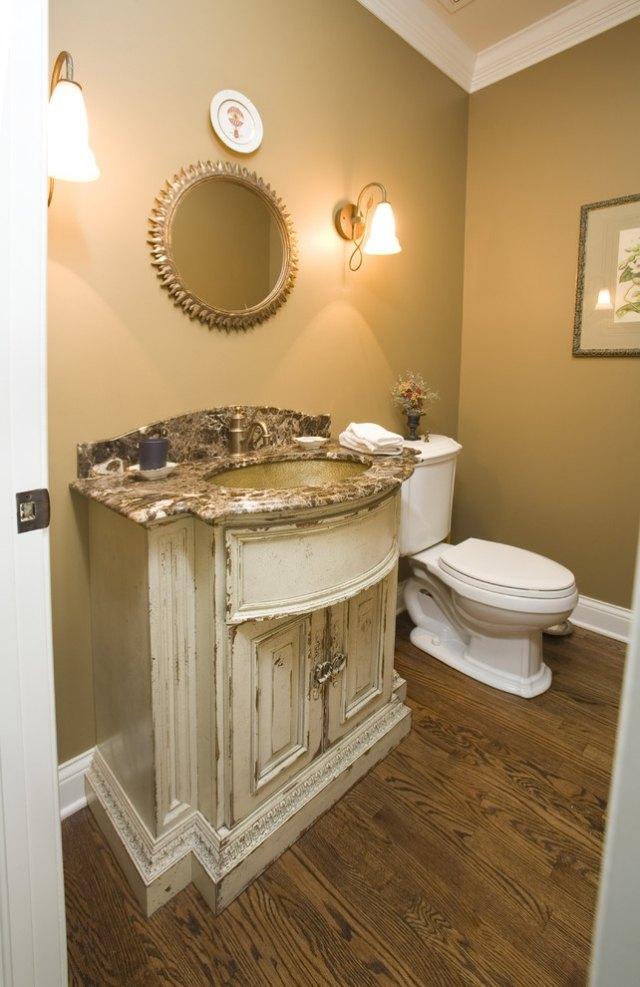 комната ванная ретро стиль фото мраморная столешница карамель цвет