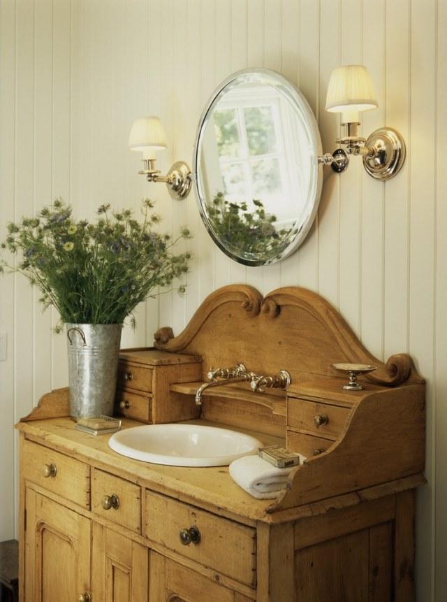 комната ванная ретро стиль фото смеситель деревянный комод ручки