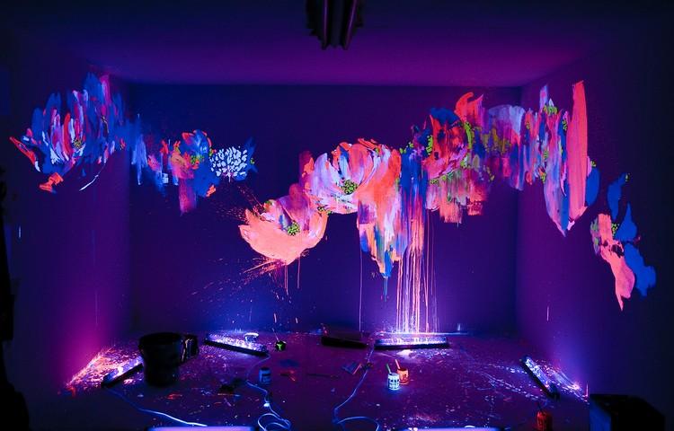 светящиеся картины на стене фото люминесцентные краски ультрафиолет