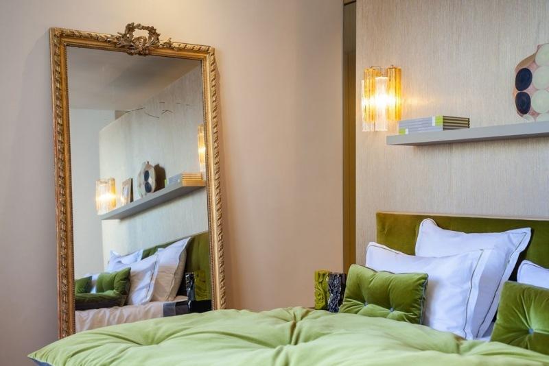 зеркало в стиле барокко фото золотой оклад спальня бархат