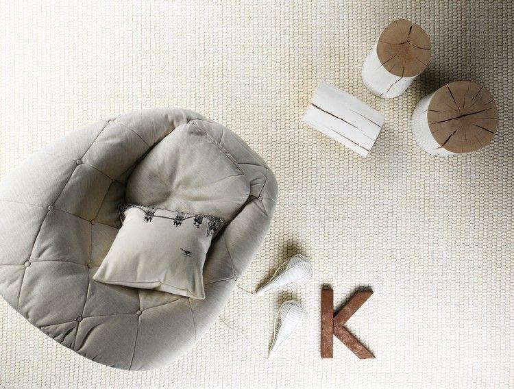 белый ковролин в интерьере фото палас на пол гостиная