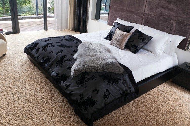 бежевый ковролин в интерьере фото палас на пол спальня черная кровать