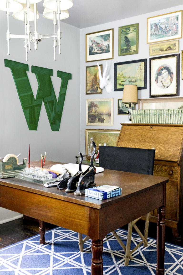 стиль кантри в кабинете фото деревянный стол