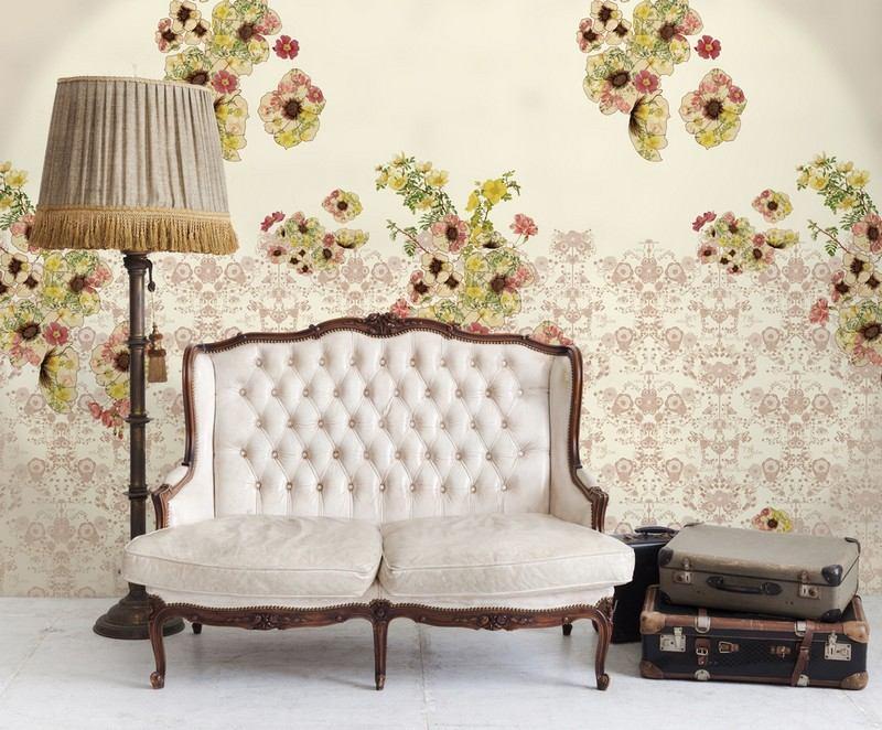 стиль шебби шик в интерьере гостиной фото старинный диван старые чемоданы