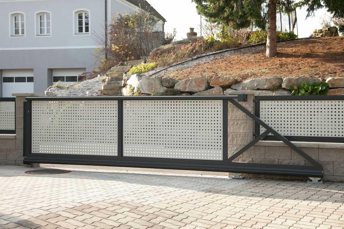 черно-белые откатные ворота фото