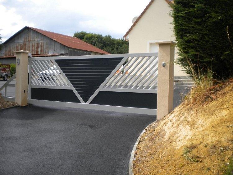 черно-серые откатные ворота фото частный дом современный дизайн