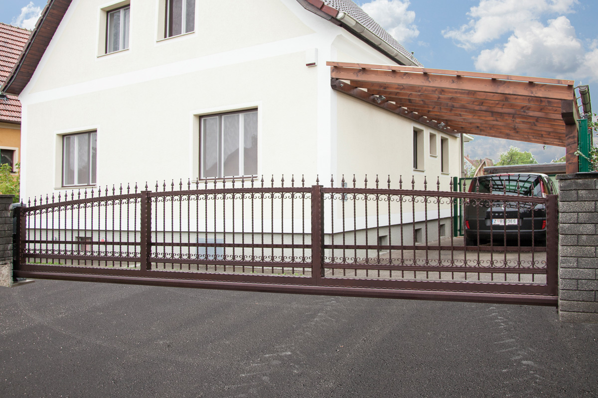 коричневые откатные ворота фото частный дом металлические