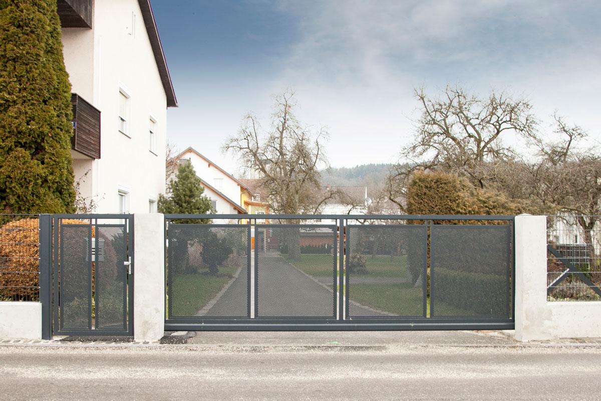 откатные ворота фото металл сетка