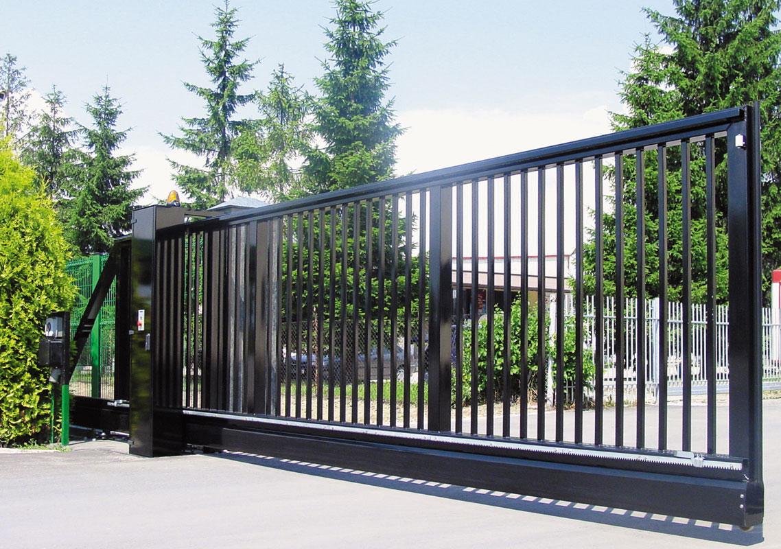 промышленные металлические откатные ворота фото черные