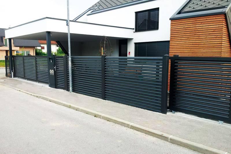 стильные черные откатные ворота фото металлические частный дом