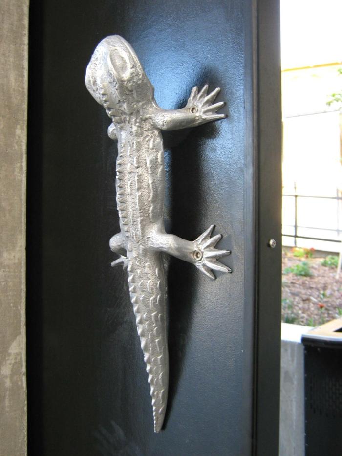 originalnye-dvernye-ruchki-foto-11