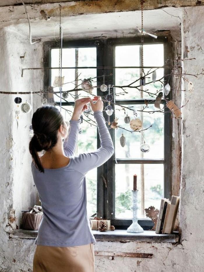 novogodnie-ukrasheniya-na-okna-svoimi-r