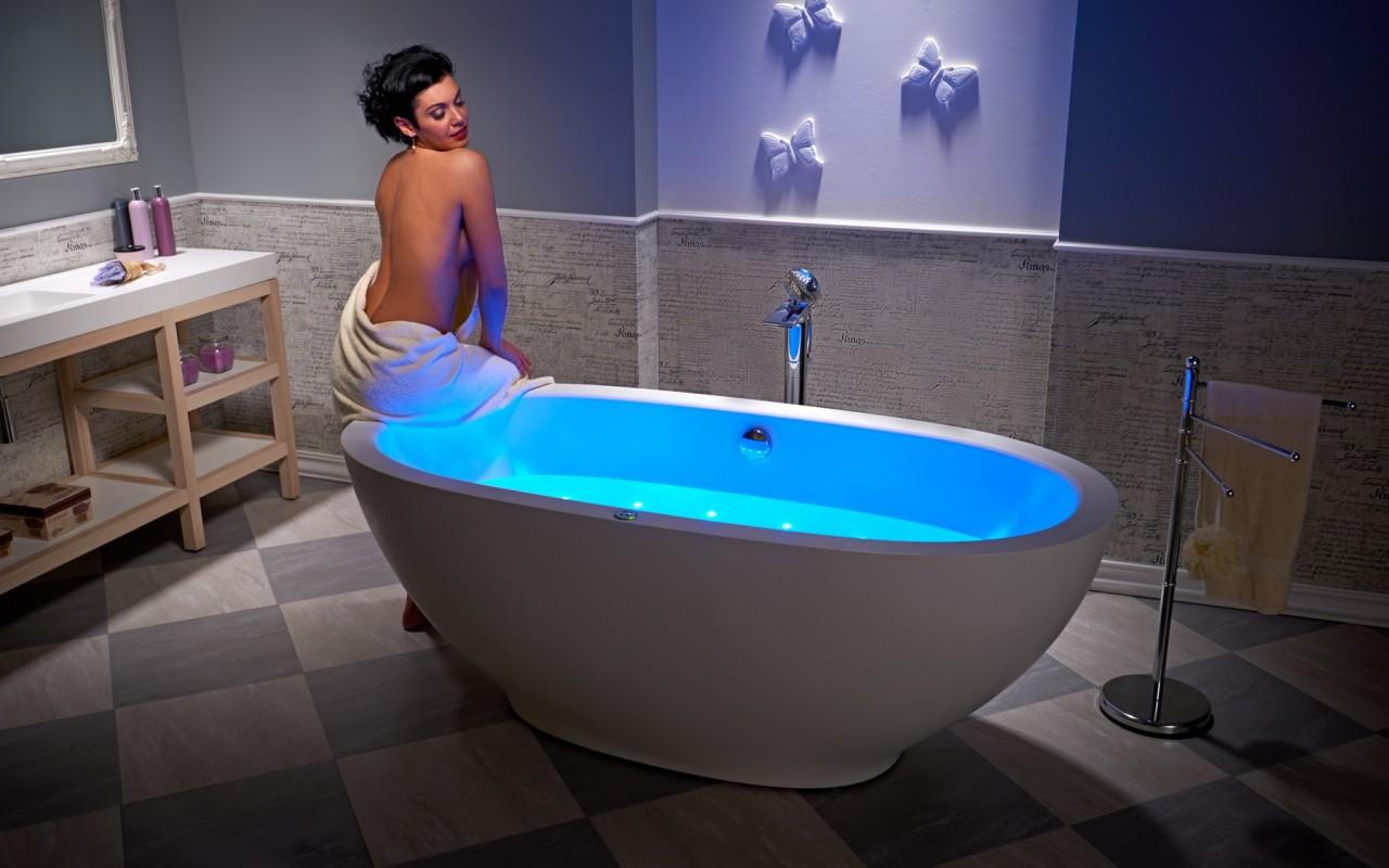 Роскошная ванна джакузи с гидромассажем 2