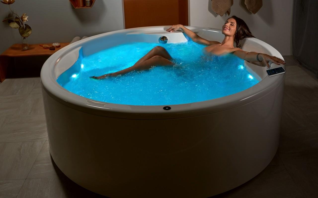 Роскошная ванна джакузи с гидромассажем 4